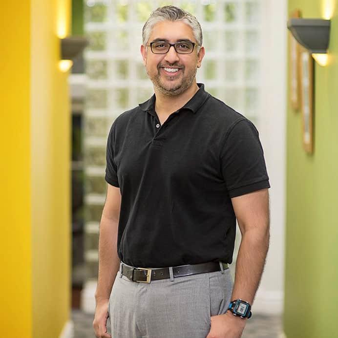 Dr. Taimour Raja : Dentist